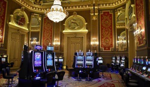 Hotel de Paris & Casino de Monte-Carlo یکی از مجلل ترین کازینو ها در موناکو