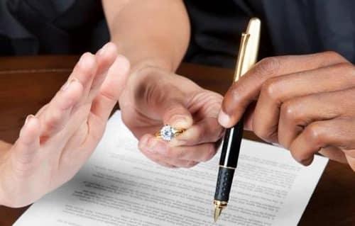 طلاق آزاده نامداری از فرزاد حسنی